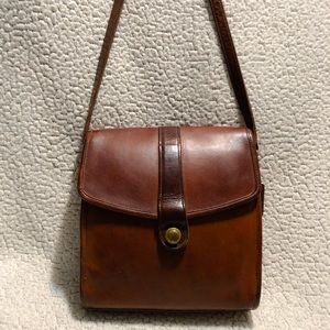 Coach Vintage Leather Messenger/ Crossbody Bag.